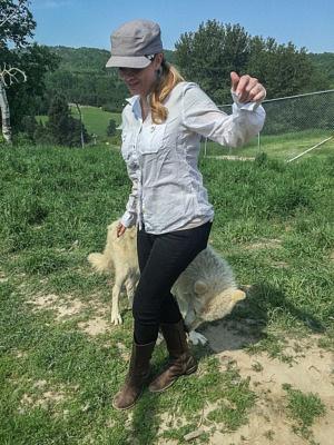 Juliana Dever arctic wolf Ferme 5 Etoiles