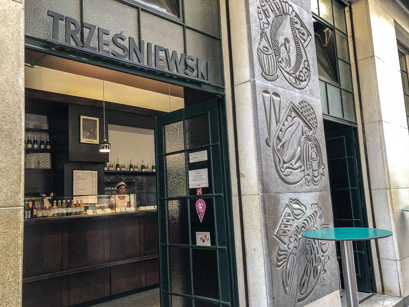 Trzesniewski snack bread restaurant Vienna Austria